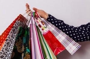 【トレンド激安の裏技】30%~100%OFFで洋服を買う方法