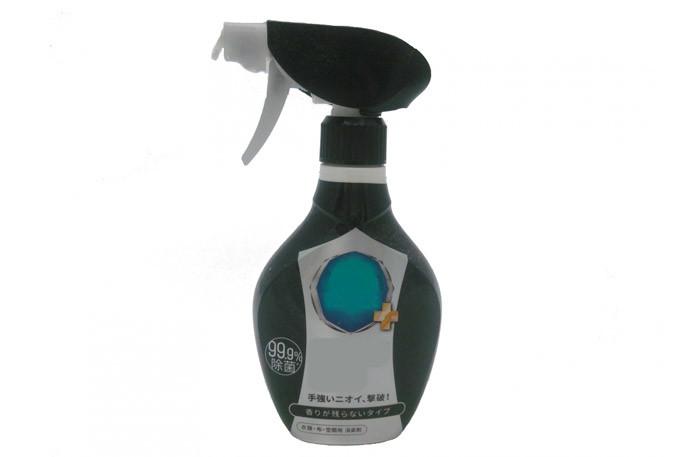 香水をつけ過ぎた時の対処法3.服に着いた場合は消臭スプレー