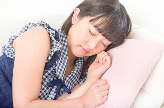 喉の痛み改善方法8.とにかく眠る