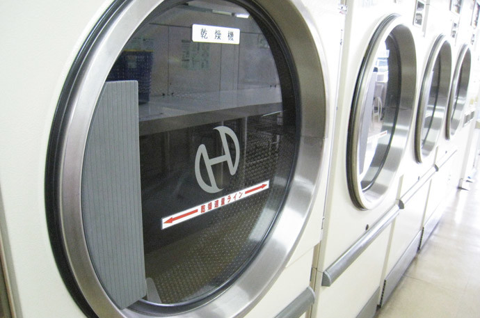 洗濯機は不要!?コインランドリーを使う人が増加中のワケ