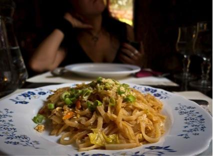 世界の美味しい食べ物ランキング 5位パッタイ/タイ
