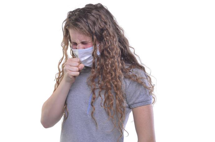 【花粉症やアレルギーの方必見!】くしゃみを止める方法