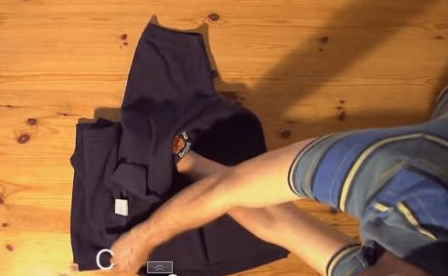 Tシャツたたみ方2