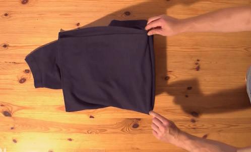 Tシャツたたみ方3