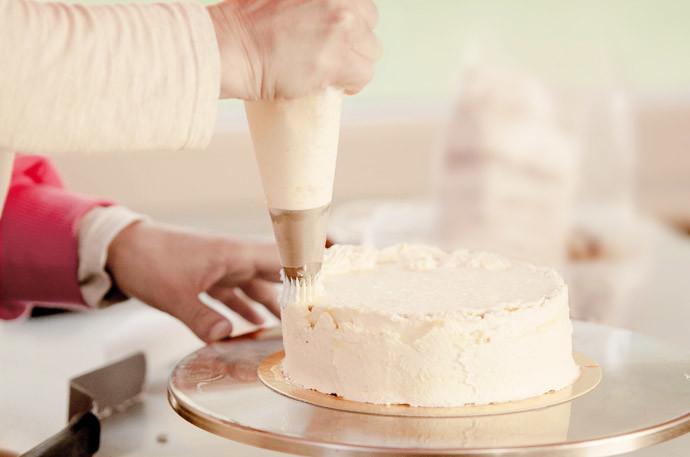 簡単!しぼり袋と口金の作り方~オムライスやケーキ作りに~