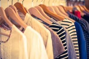 洋服に付いたカビを徹底除去!カビの種類別衣服のカビ取り方法