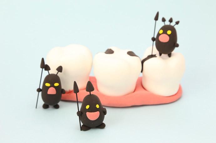 歯抜けや虫歯を治療する