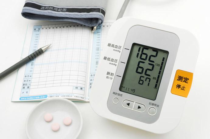 【動悸、息切れの原因】高血圧の症状と血圧を下げる方法の全て