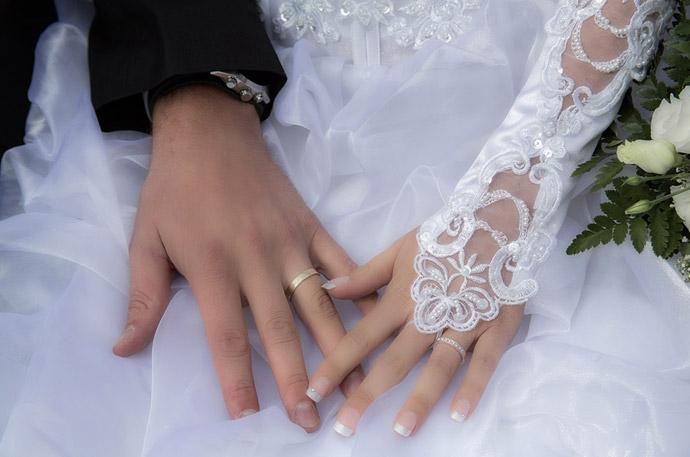 在宅ワークになるよく売れる写真2.結婚式